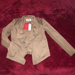 NWT BB Dakota taupe, faux suede, open front blazer